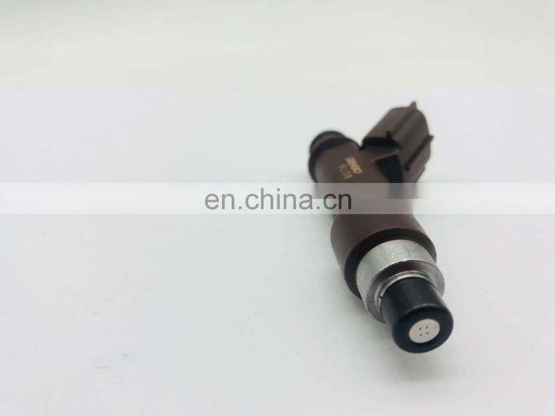 High Quality Fuel Injector Nozzle OEM 23250-50060 for Toyo-ta