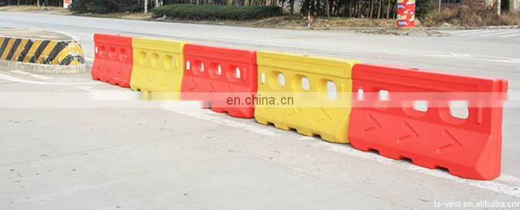 Exhibition Dates In China High Light PE Small Water Filled Plastic Concrete Safety Used Road Barrier