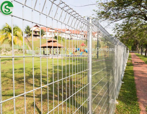 Roll Top Fencing Panels Rigid Welded Wire Mesh Fence In 6 Gauge 8