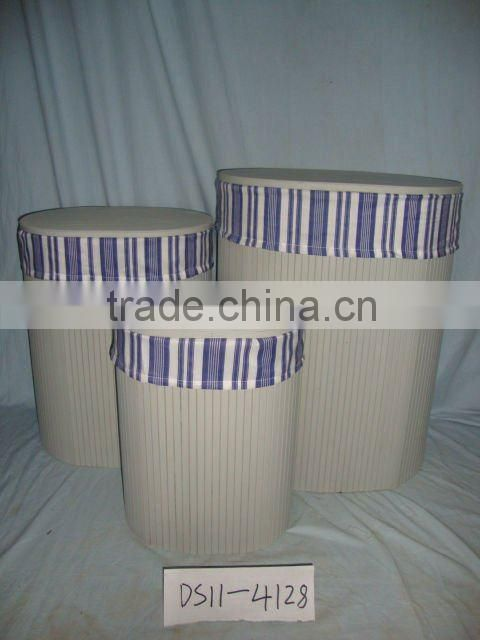 The cloth with the bamboo of laundry basket