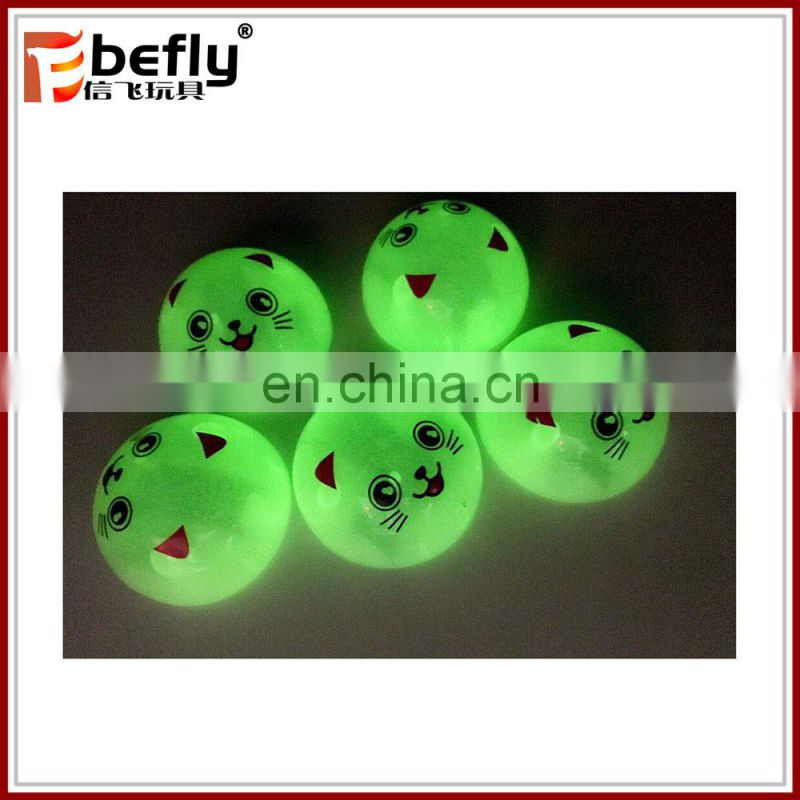 Glow in dark pull back animal emoji toy for capsule