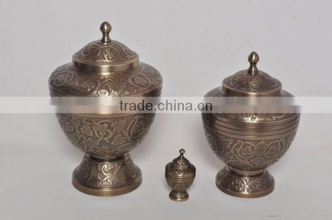 new antiuqe finished brass metal urns