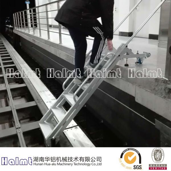 Aluminum Rescue Step Ladders for Rail Vehicle Image