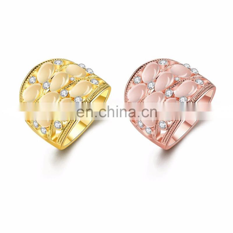 Wholesale Classic OEM/ODM Diamond Wedding Rings Crystal Gold Plated Yellow Rings Design for Ladies