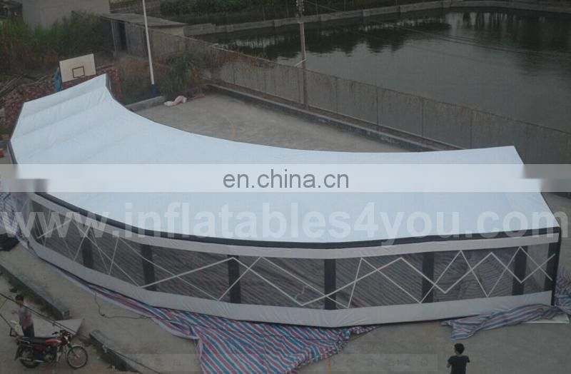 Roof top tent with tunnel for events