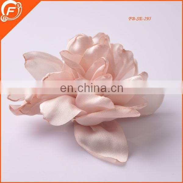 small size nice silk fabric flower brooch for garment in wholesale