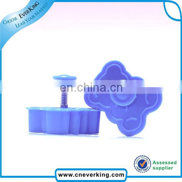 2016 colorful plastic animal shape cookie cutter /biscuit cutter /cake mould