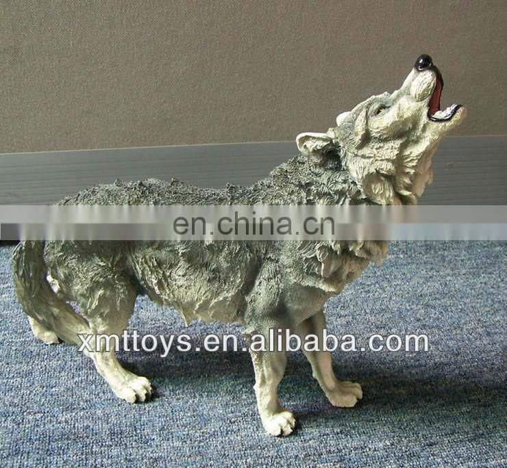 lifelike resin wolf statue decoration