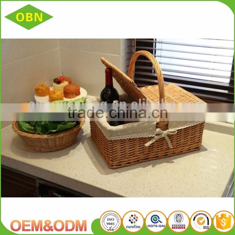 Custom China hand woven eco-friendly material cheap handle empty wicker picnic baskets with lid