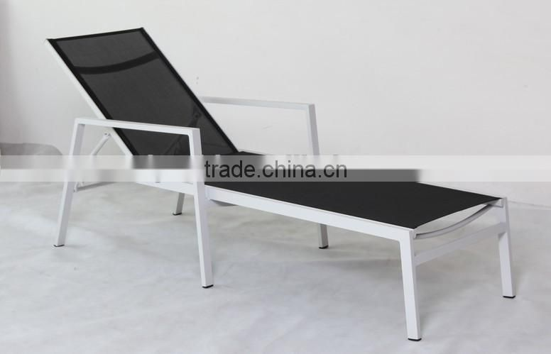 soft sling round sun lounger in black color