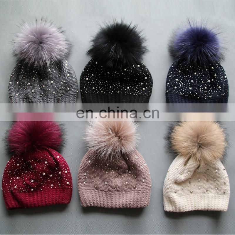 Pearls bling knitted hats with fluffy raccoon fur ball factory supply