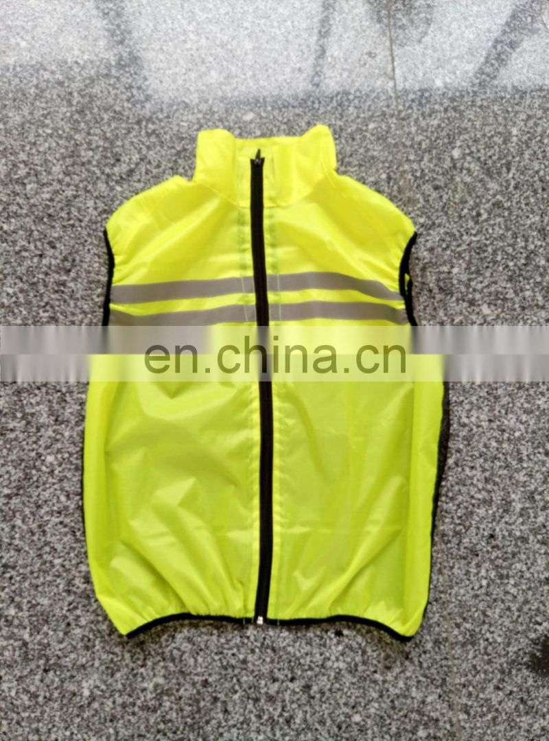 Reflective safety waistcoat with mesh fabric for running and and cycling