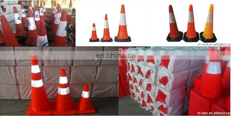 Roadway Safety Products Safety Poles PVC Coated Glow In The Dark Solar Traffic Cone Light