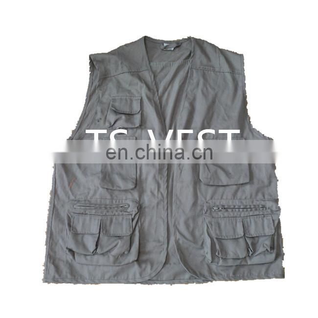 Worsted cotton and polyester hawking fishing hunting vest with multipockets