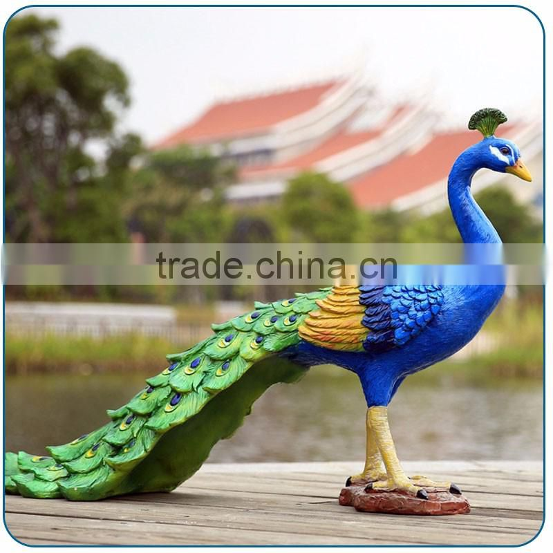 Outdoor Garden Decoration Resin Life Size Elegant Fiberglass Peacock Statue