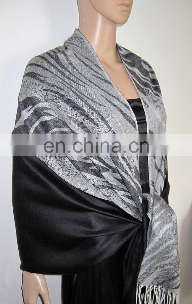 JDC-120_2019: pashmina shawl with Zebra and Plain Combo Pattern