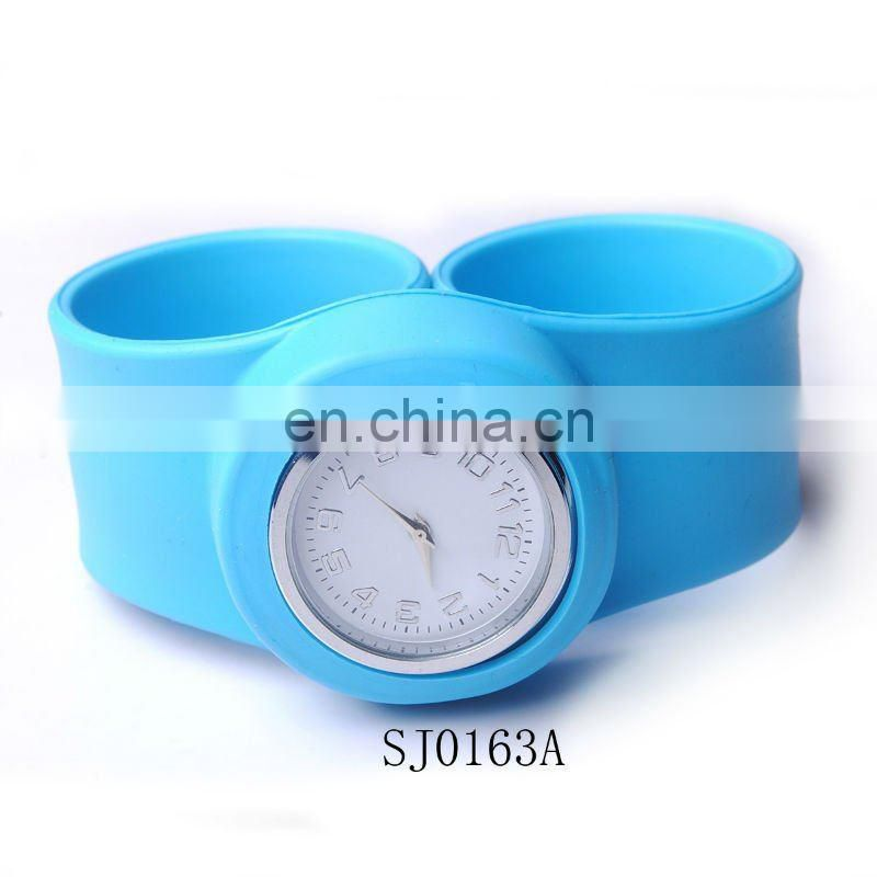 Hot Sale Fashion Apple Silicone Slap Watch