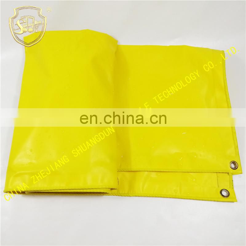 Yellow tarpaulin,China Zhejiang canvas factory sells all kinds of tarpaulins with all kinds of thickness.