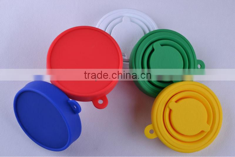 Portable fashionable cheap silicone collapsible water cup with lid