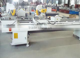 Digital double mitre saw for aluminum