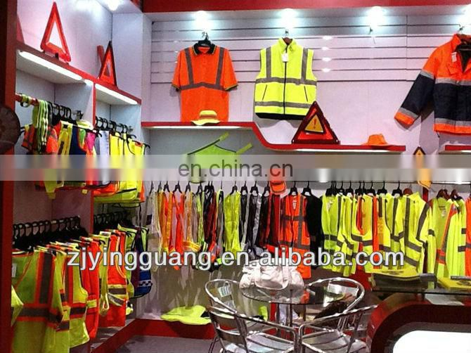 high visibility reflective Safety Kits made of one piece vest and one triangle with a red bag