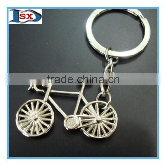 Top selling zinc alloy casting sports combat boots and shoe shaped keychain for football lovers