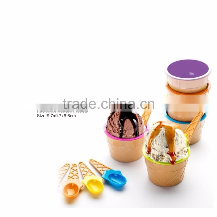 plastic ice cream container with spoon th-670