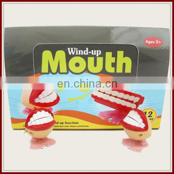 Novel plastic wind up teeth toy