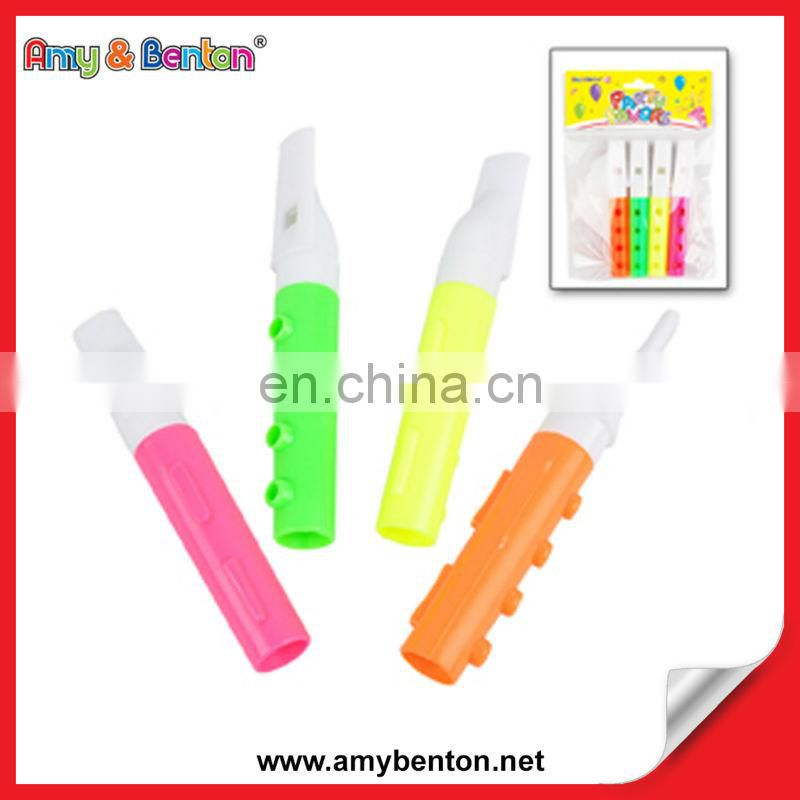 Promotional China kids birthday party supplies palm whistle