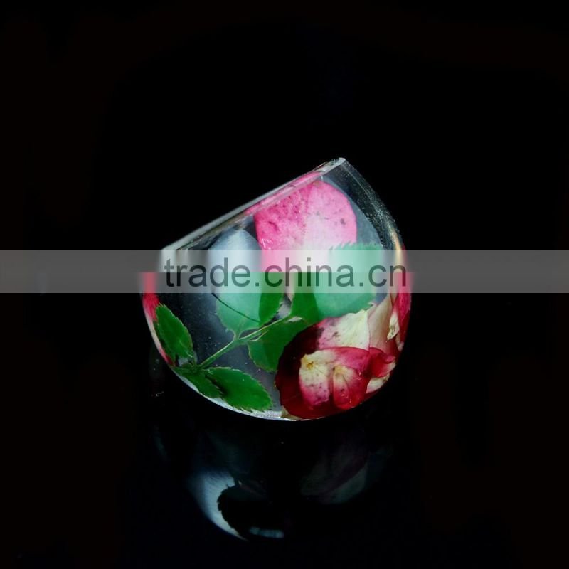 2017 latest design clear customized jewelry pressed real dried flower resin ring