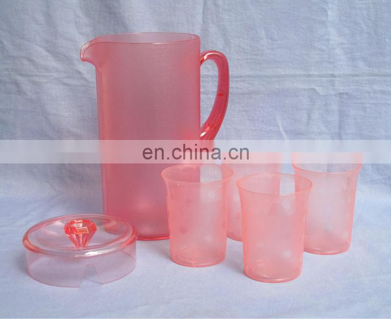 2L restaurant water pitcher with cups