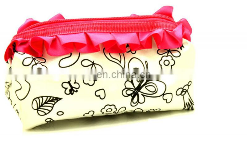 DIY painting satin pencil case for kids with color markers