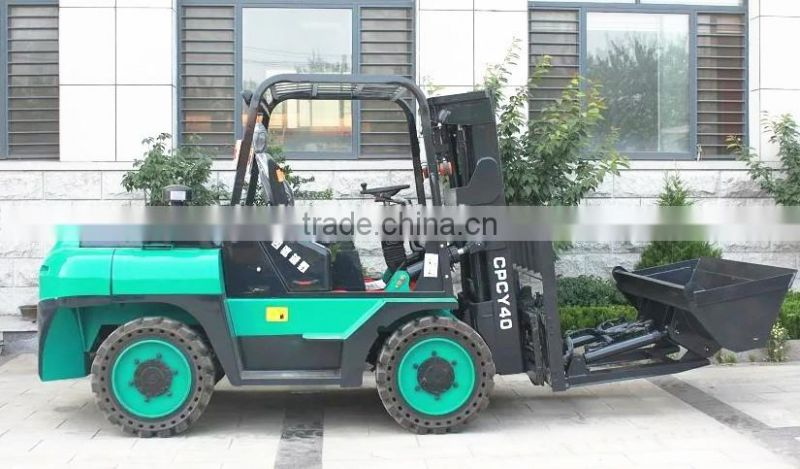 72KW 4 wheel drive and steering off-road forklift