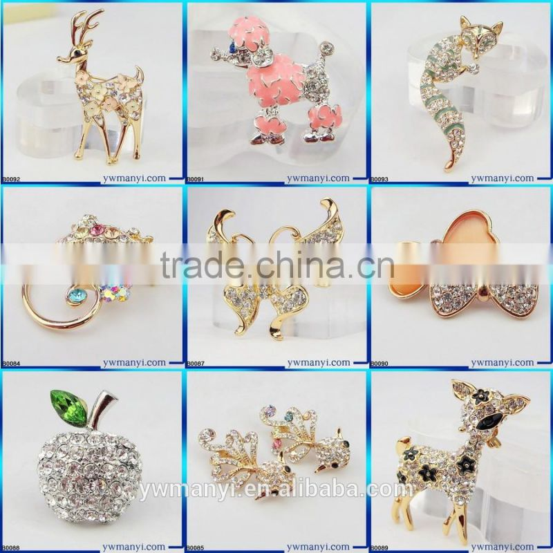 Fashion Style wedding dress made in china crystal and pearl brooches Korea brooch B0004