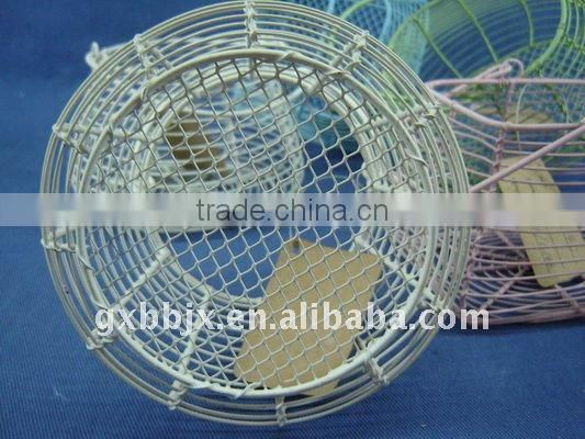 Wire multi-shape egg storage basket with handle