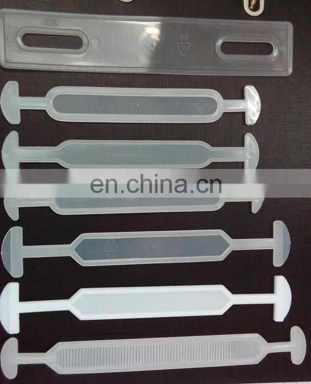 Plastic handle for heavy carton carrying