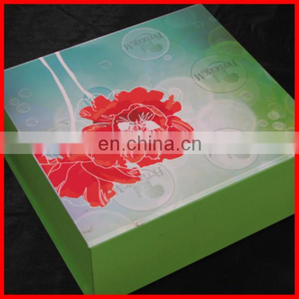 Light Green Printing Inside And Outside Paper Magnet Flat Folding Boxes With Red Flower On
