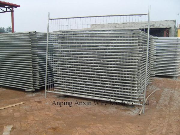 Movable Temporary Fence Wire Mesh Fence Steel Chain Link Fence For Outdoor  Image