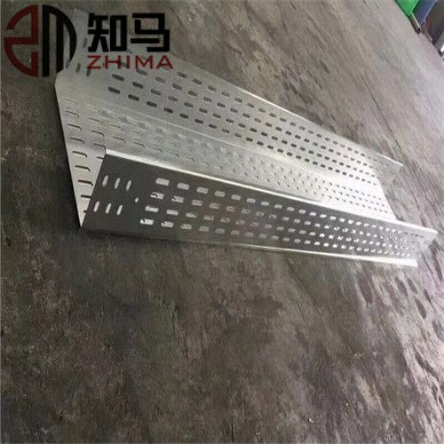 Metal cable tray/metallic perforated cable tray Image