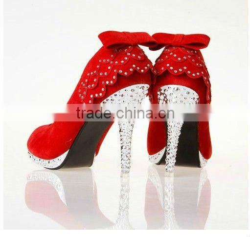 Best selling appliqued red beaded high heel bridal shoes CWFas4167