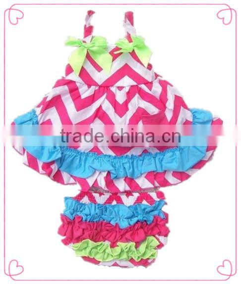 2014 new baby clothes set chevron ruffle bloomer&chevron halter infant girls swing back sun suit sets cute baby summer suit