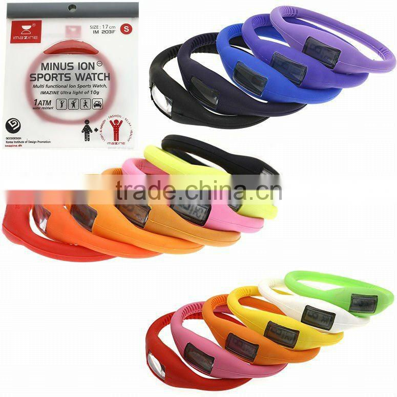 Silicone wristband watch with buckle