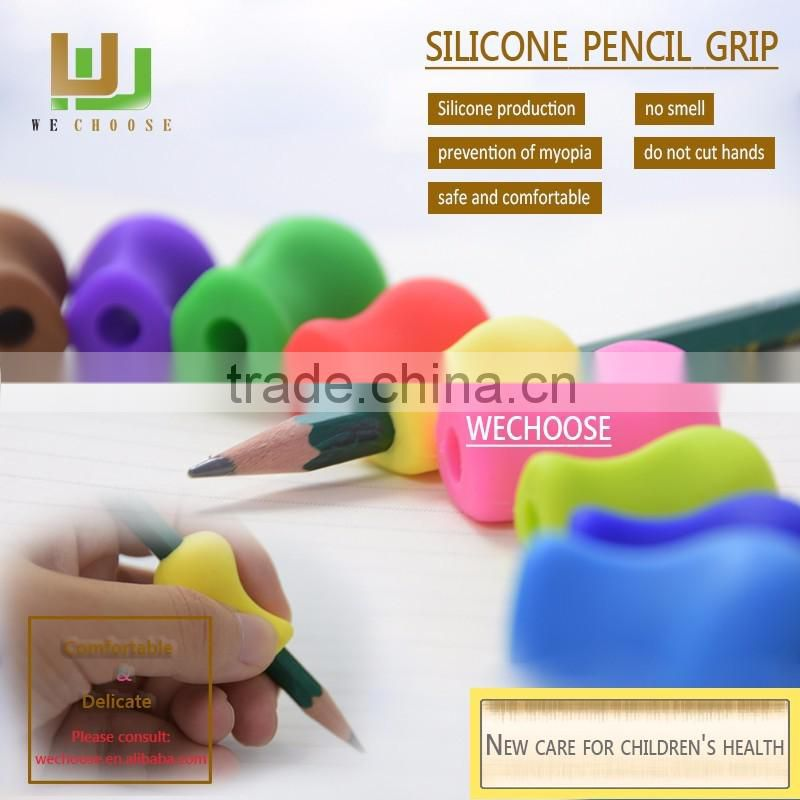Wholesale claw silicone rubber pencil grips sleeve Multi pencil grip types kids handwriting helper