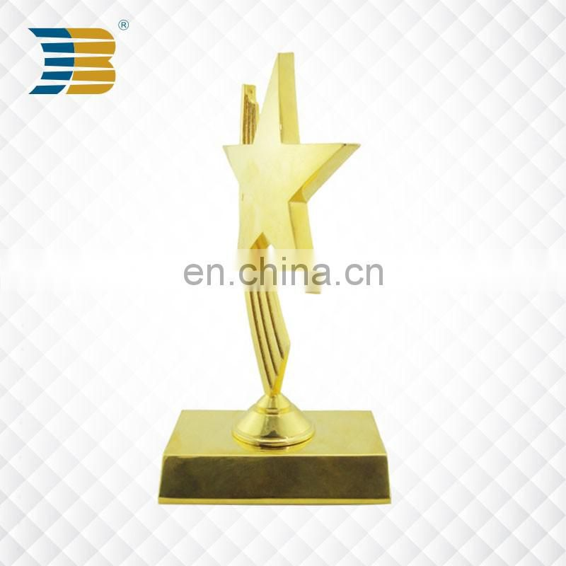 Custom design gold plating poker trophy with bright star