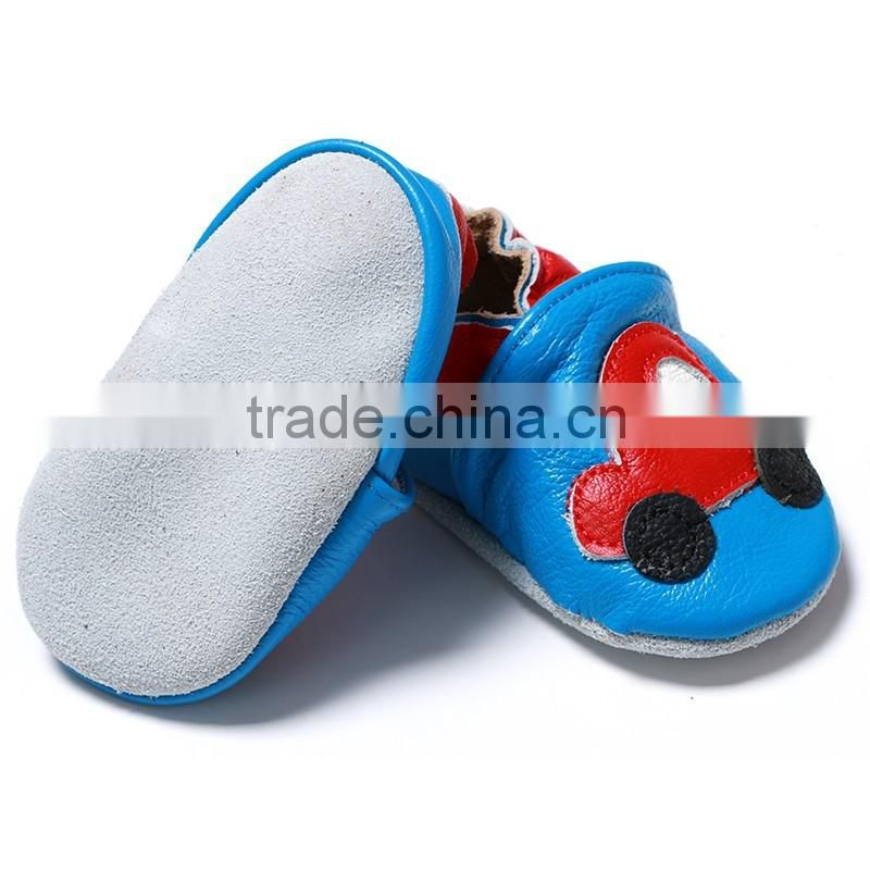 Wholesale baby boy soft sole shoes leather moccasins for toddler infant shoes with car design