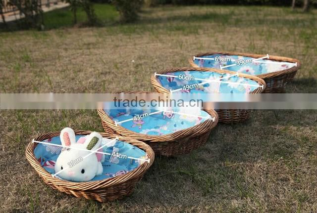 Wholesale cheap cute wicker rattan pet house dog bed pet bed