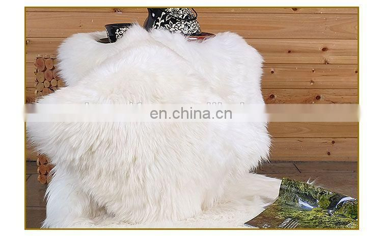 China Supplier New Soft Sheep Wool Pillow Lamb Fur Cushion
