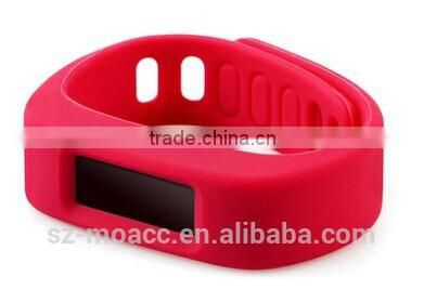 Cheap promotional silicone waterproof pedometer bracelet