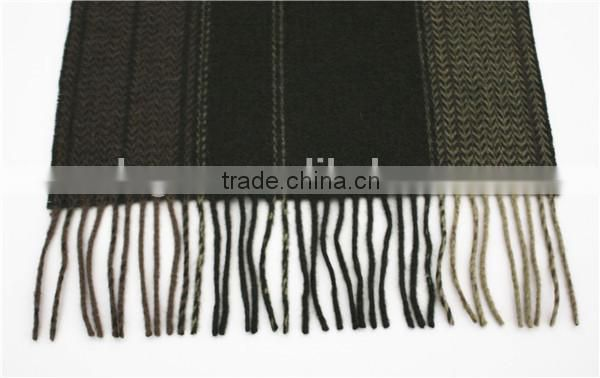 Zigzag Pattern Yarn Dyed Pure Wool Scarf with fringe