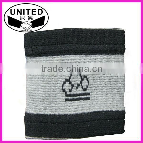 embroidered cotton sweat band